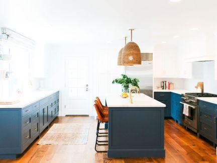 简约蓝色静谧别墅开放式厨房装修效果图