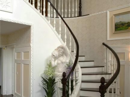 现代简约178平复式黑白楼梯装修效果图