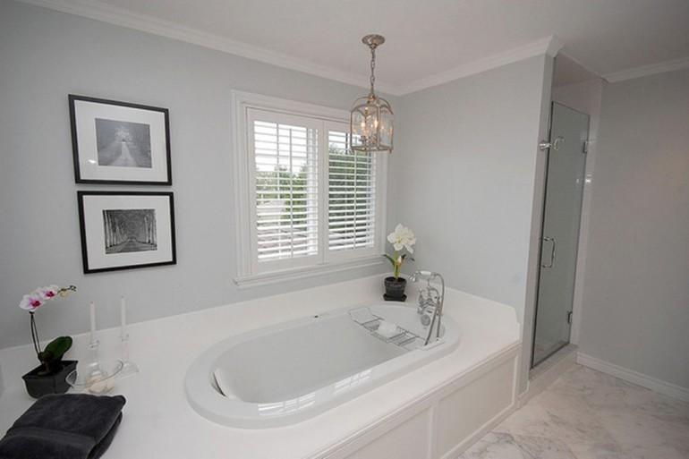 130平纯白简约风格卫生间浴缸装修效果图