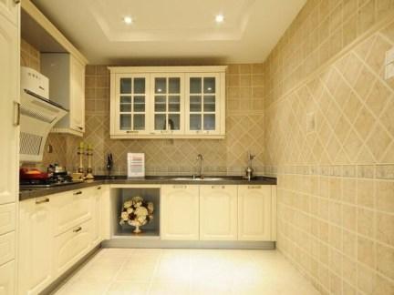 129平三居室简欧风厨房橱柜装修效果图