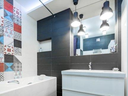 宜家风格彩色卫生间装修效果图