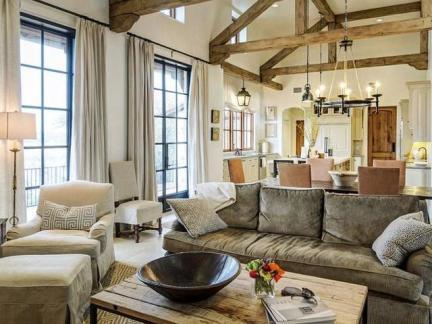 欧式风格客厅自然原木色茶几装修实景图