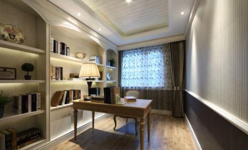 客厅简单的硬装,卧室窗帘的小碎花,简单家具的摆放,作为简欧风格再