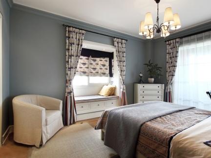 优雅美式三居卧室实用飘窗柜设计效果图