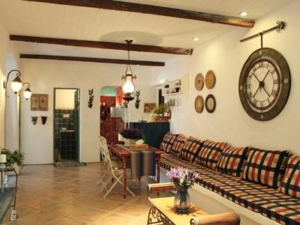 地中海风格宽敞客厅空间装修实景图