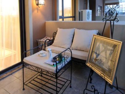 地中海风格四居室阳台窗帘装修效果图欣赏