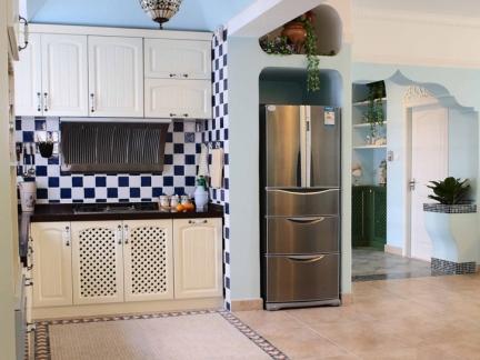 地中海风格厨房拼色室内地板砖装修图