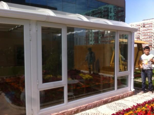 深圳铝合金钢化玻璃顶阳光房 隔热断桥铝门封阳台 弧形遮阳顶