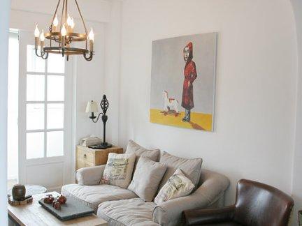 北欧风格复式房客厅背景墙装修效果图