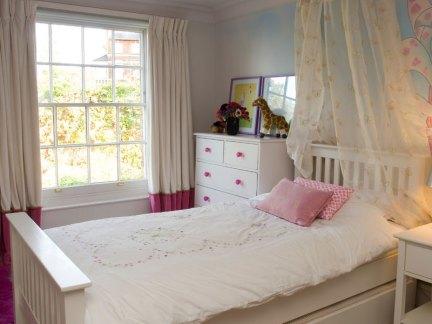 家装简约风格儿童房窗帘装修效果图