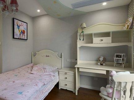 家装美式风格三居室卧室装修案例