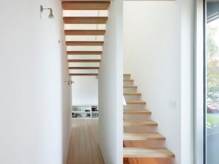 清新简约风格复式原木楼梯设计图