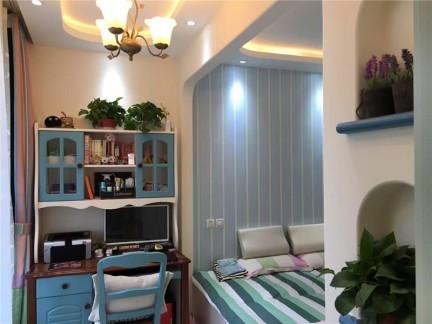 地中海风格二居室卧室榻榻米装修效果图