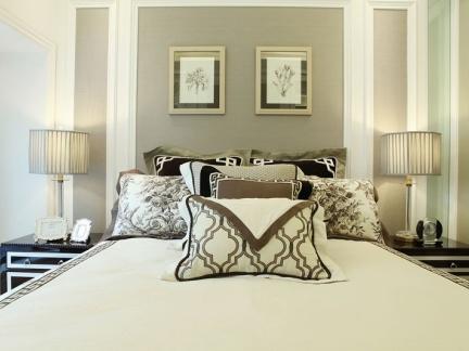 新古典风格三居卧室优雅背景墙图片
