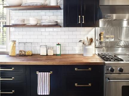 时尚简欧风格厨房黑色橱柜装修图片