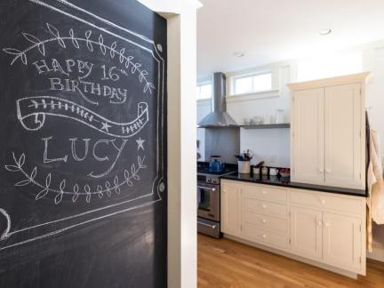 时尚简欧风格三居黑板墙设计效果图