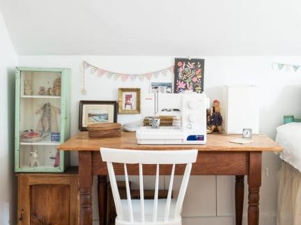 质朴温暖欧式风格原木色书桌图片欣赏