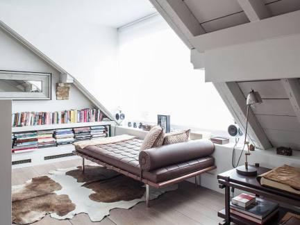 淡雅美式风格阁楼书房装修实景图