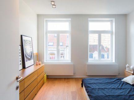 干净明朗北欧风格卧室原木储物柜效果图