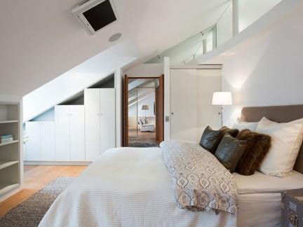 温馨简欧风格舒适白色系阁楼卧室效果图