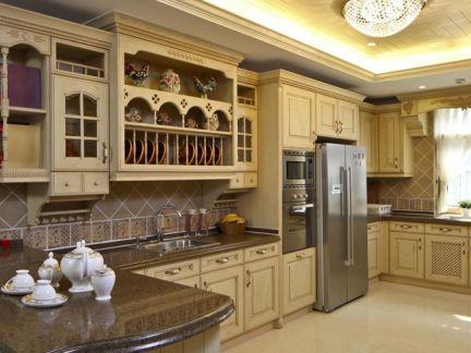 欧式古典风格厨房橱柜装修设计