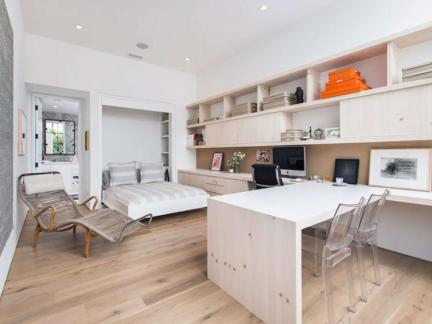 现代简约风格舒适休闲卧室装修图片