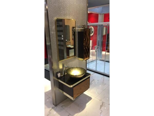 格拉仕伦 浴室柜(含面盆、浴室镜、龙头、侧柜)