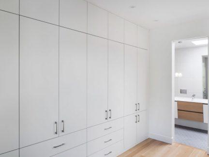 现代风格实用清爽白色储物柜效果图