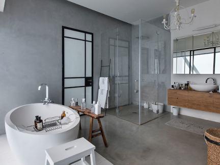 简约风格宽敞卫生间白色浴缸装修图