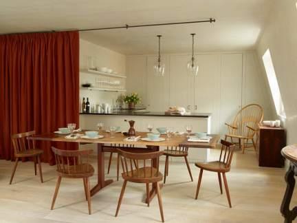 优雅简洁美式风格原木色餐厅实景图