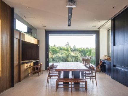 简约风格宽敞大气餐厅大餐桌装修图片
