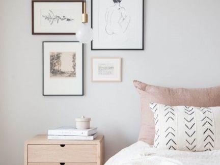 温馨卧室照片墙图片大全