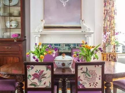 华丽欧式风格餐厅白色复古吊灯实景效果图