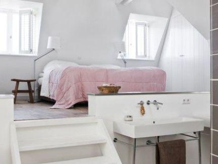 时尚美式跃层白色楼梯装修效果图