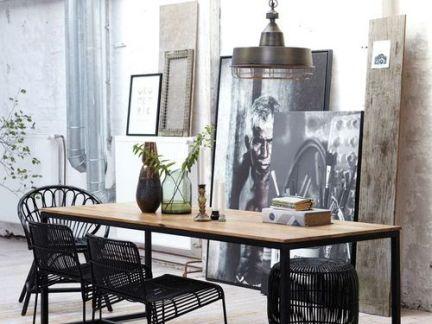 工业风格餐厅黑色铁艺餐椅装修设计