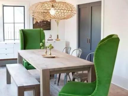 混搭风格简约餐厅绿色椅子效果图