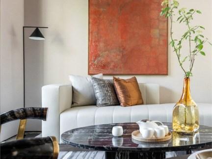 新中式别墅客厅白色沙发装修效果图