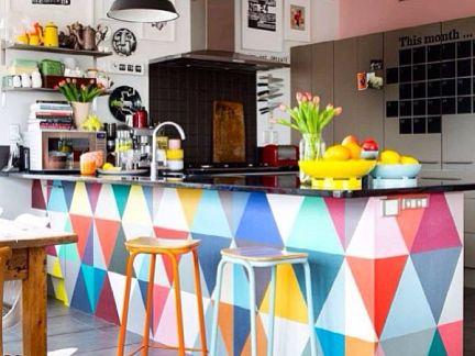 东南亚风格厨房彩色吧台装修设计