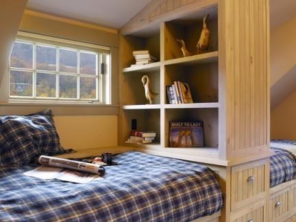 简约风格卧室白色组合柜实景图