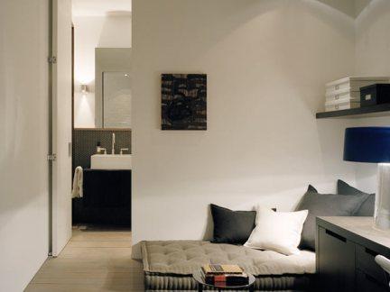 欧式风格卧室灰色榻榻米装修效果图