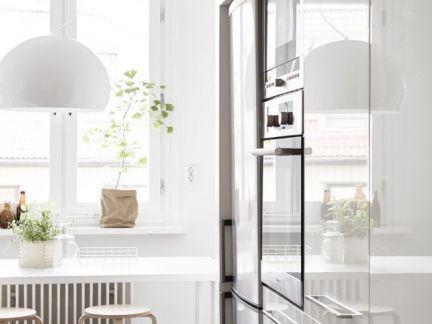 北欧风情厨房白色橱柜门装修设计