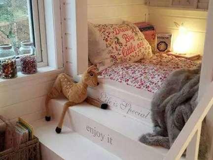 简欧儿童房白色实木楼梯单人床装修设计