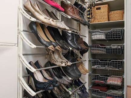 欧式别墅储藏室鞋架装修设计