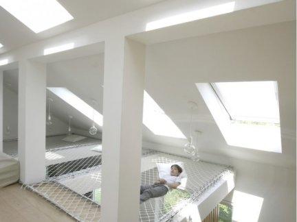 简约风格阁楼设计配原木色楼梯装修效果图