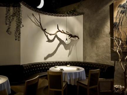 欧式唯美餐厅配白色小餐桌装修效果图
