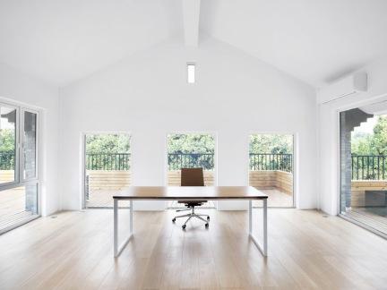 尖顶别墅家庭办公室设计