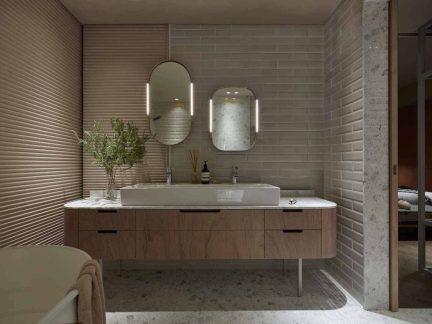 华丽现代淋浴间浴室柜装修设计