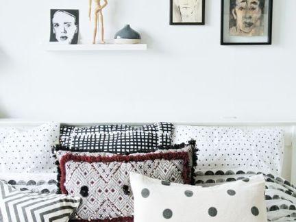 现代风格123平米主卧床头背景墙设计图片
