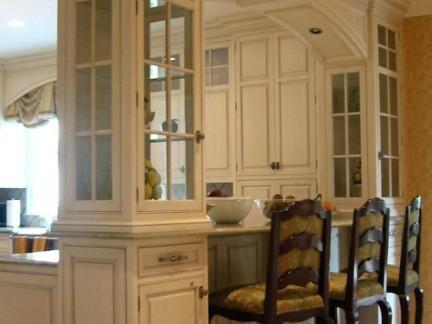 现代简欧别墅开放式厨房吧台装修图