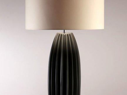 现代卧室米色台灯罩装修设计